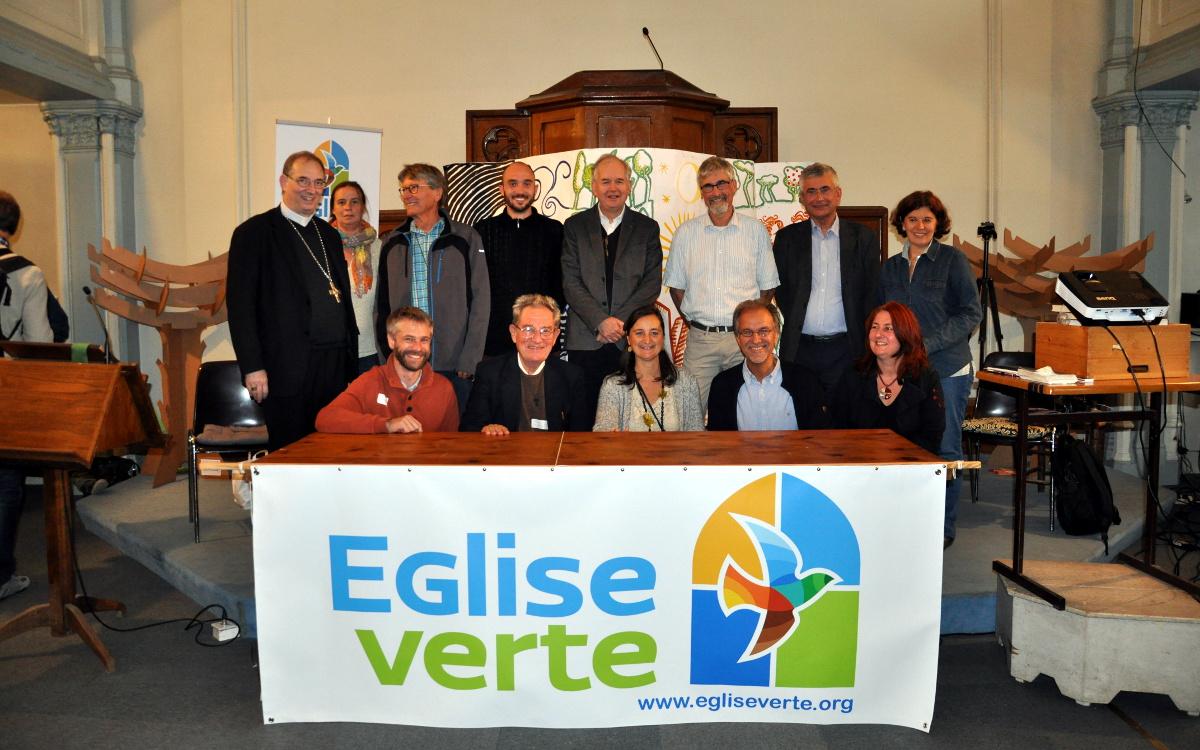 Líderes religiosos en la presentación de Église Verte