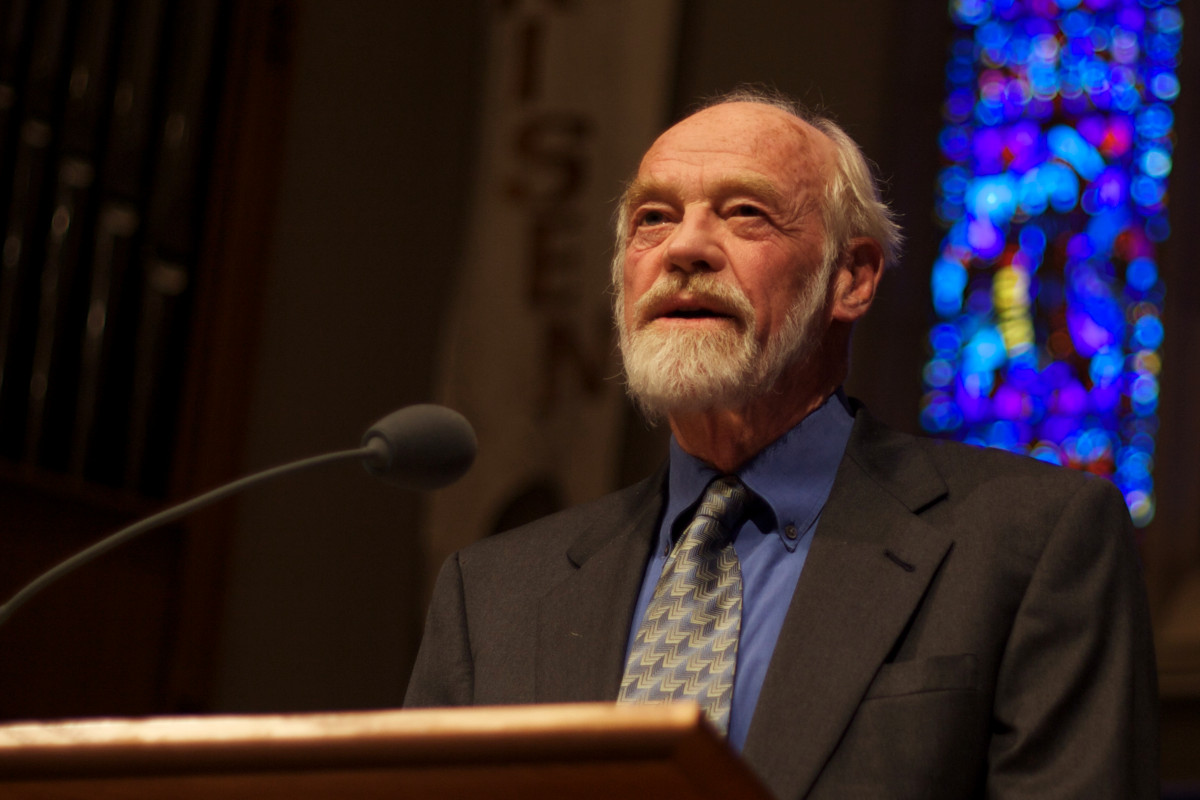 Eugene Peterson (photo by Clappstar, licensed under CC BY)
